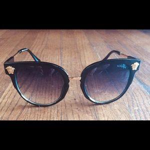 Men's Versace black Signature Logo sunglasses
